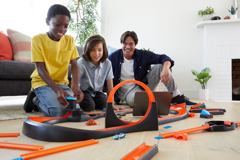 Smart Devices Hot Wheels Smart Race Track Kits