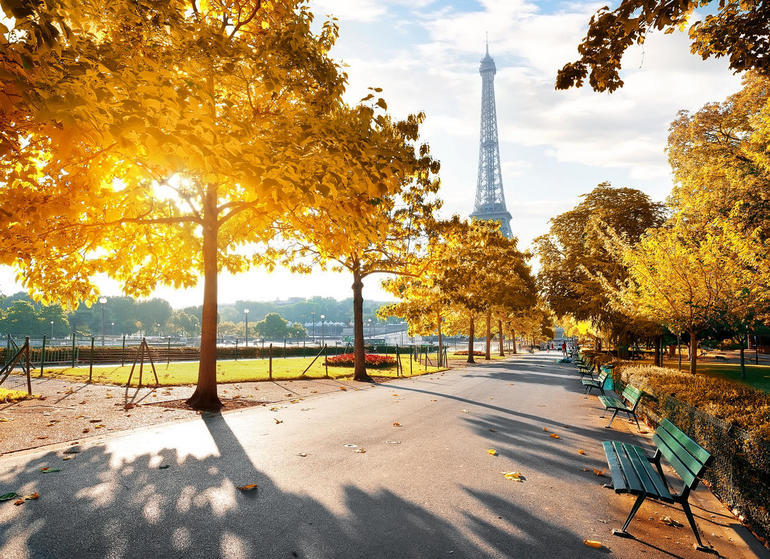 Smart Park Benches IoT Enabled Paris